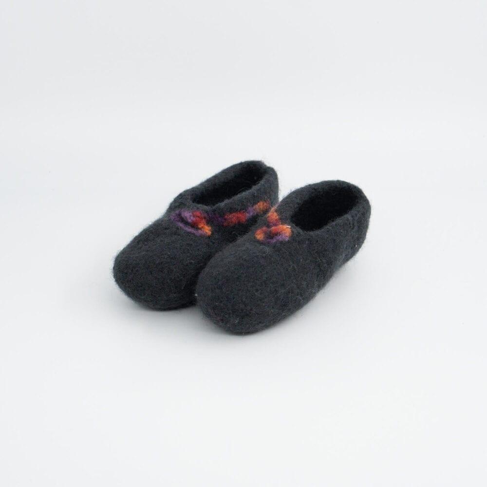Črni otroški pleteni filcani copati z vzorcem